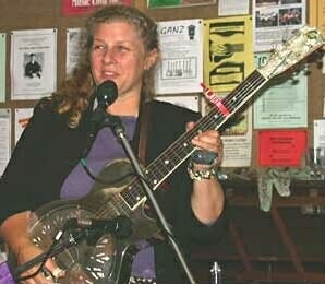 Kristina Live  Devonport Folk Music Club, Auckland, NZ 2002 - picture from http://www.michealyoung.com/musicLately.htm